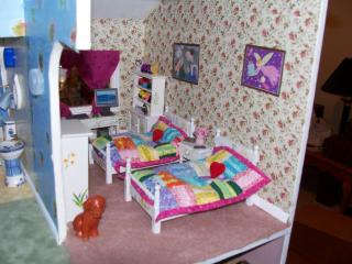 Girl's room left side