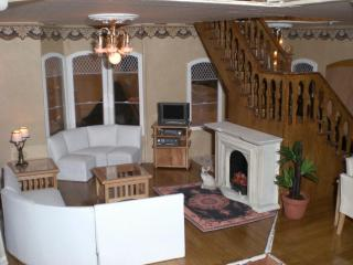 Another shot of the sitting room