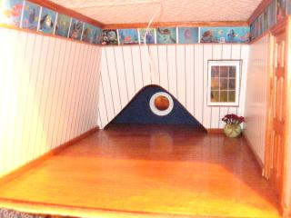 Colleen's Bostonian - boy's room, finding Nemo board