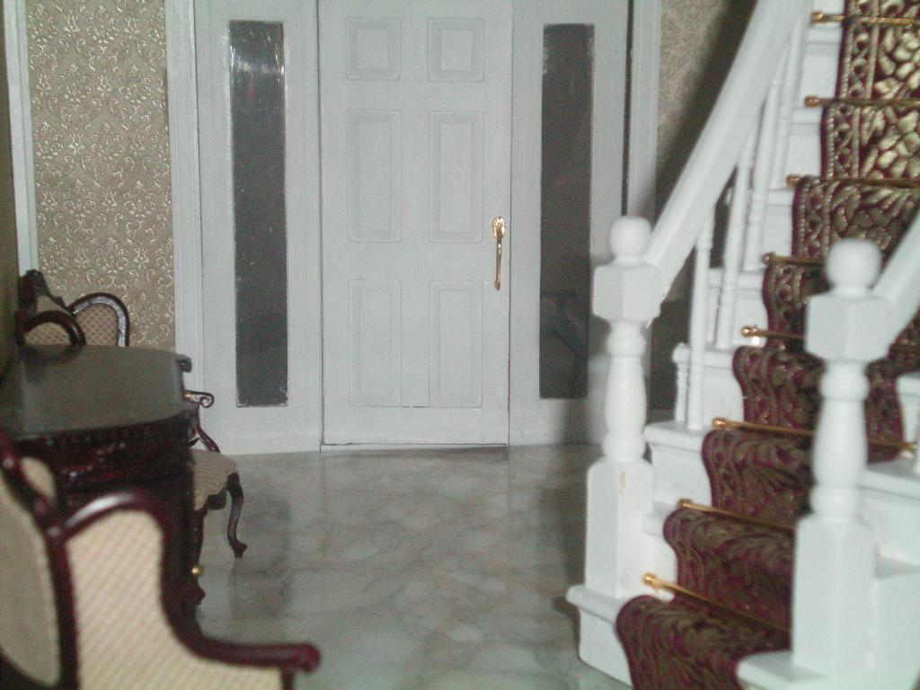 Entry Foyer (Closeup).JPG
