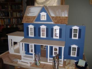 new dollhouse 002.JPG