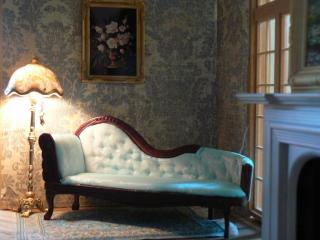 lamp & fainting couch