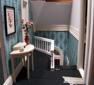 Hallway with fully papered wall - shown with foyer border