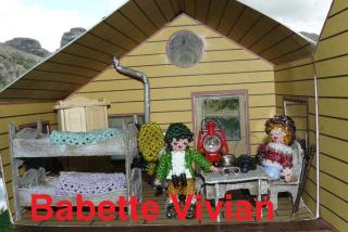 Chalet : inside view 3 with dolls