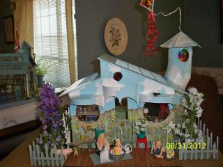 "100 1712 (Small) Muggles:""What house?"""