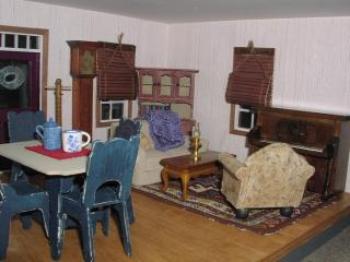 Cassie dollhouse - living room