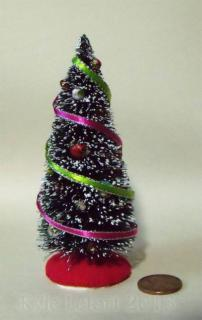 medium pink And green ribbon miniature christmas tree 1