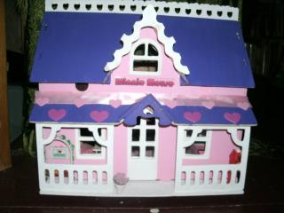 Madalyn's Minnie Mouse House