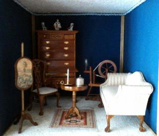 Small American Colonial room Box