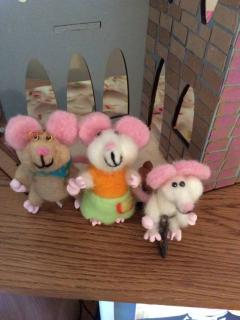 The Mouse Family - owners of the bakery!