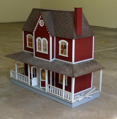 red_dollhouse_id_3.jpg