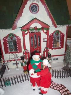 santa's house is on display now