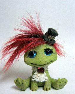 Miss Molly, the Victorian Gothic Steampunk Frog Trollfling