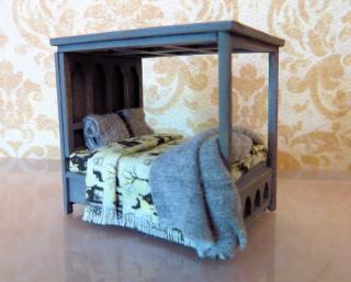 1:48 scale bed