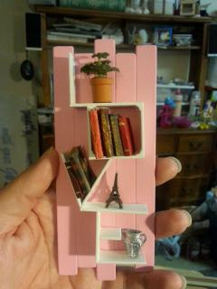1:12 LOVE Shelf in pink