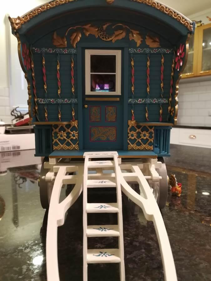 Gypsy wagon frontage complete