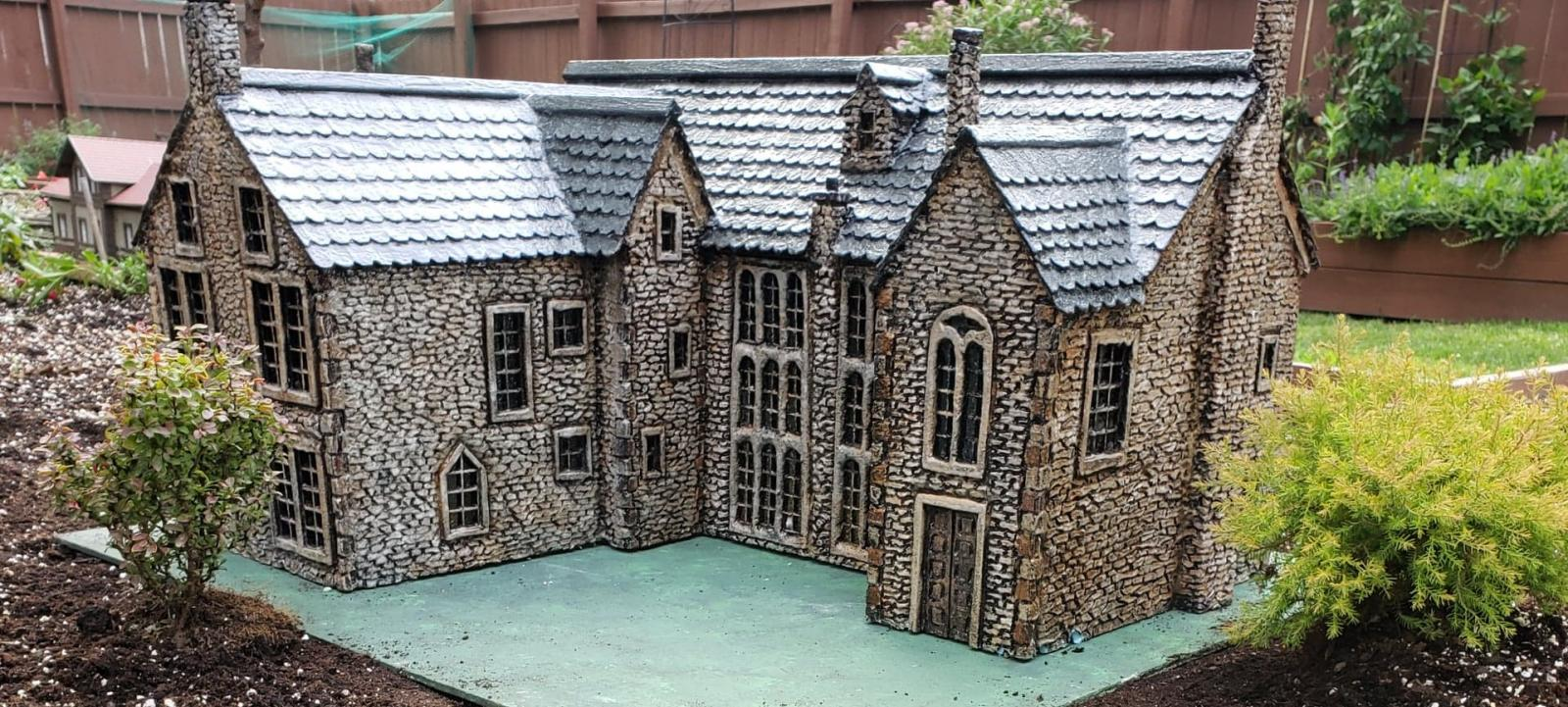 1:24 scale Poldark series Chavenage House