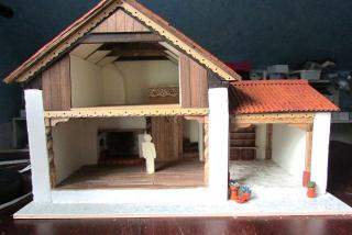 1:24 scale house