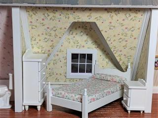Cottage yellow bedroom