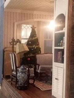 Christmas - View into Parlor 1