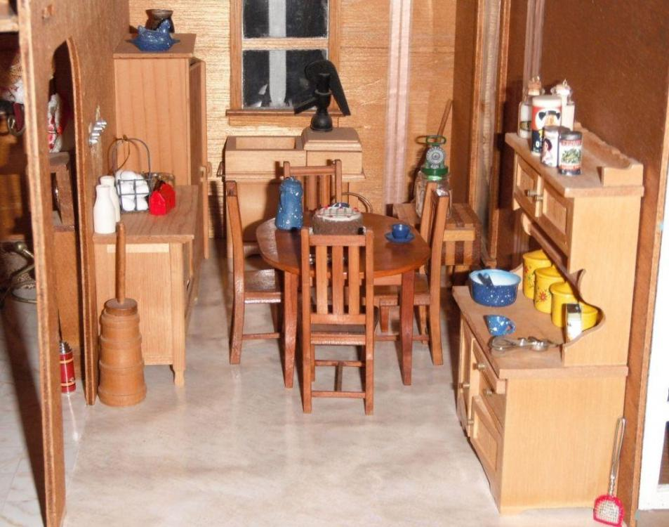 Dollhouse kitchen.JPG