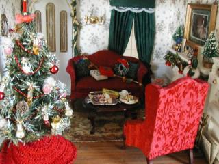 Christmas in the Dollhouse